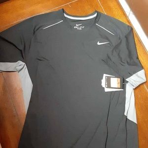 NWT Nike Dri Fit  Training T-Shirt Black LARGE